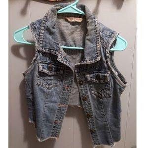 🦩 Highway Jeans No Sleeve HiLow Jean Jacket
